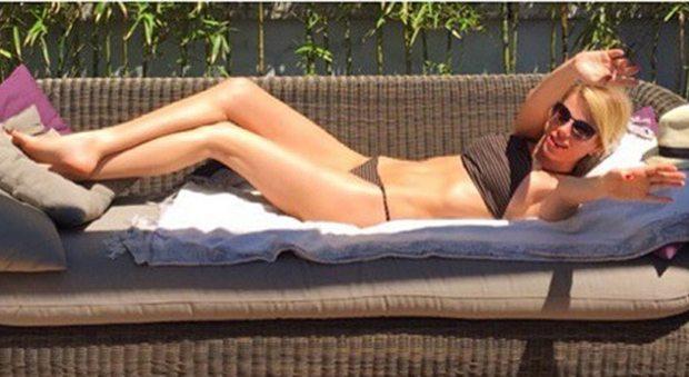 1750811_alessia_marcuzzi_bikini