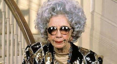 Morta 'Zia Yetta' della sitcom 'La Tata': era il personaggio più divertente